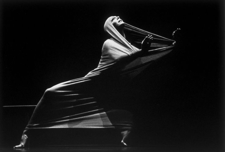 Martha Graham dançando Lamentation